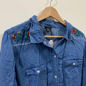 NWT Denim Embroidered Tencel Snap Front Shirt 1